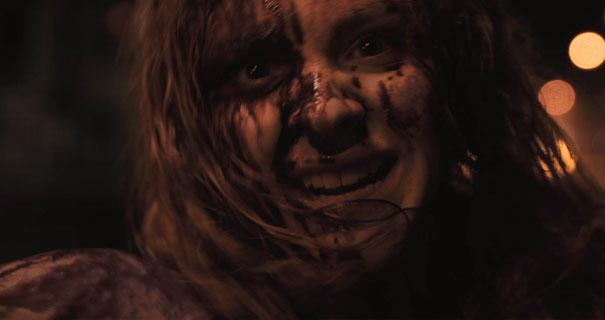 Carrie (2013) movie review by SlashingThrough.com